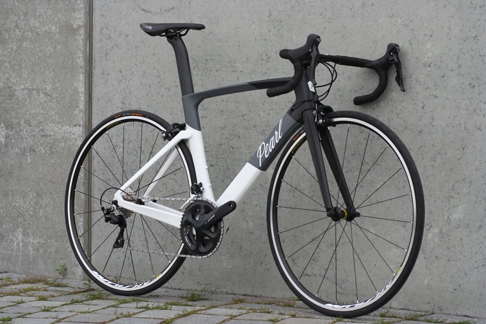 Pearl Dice Aero in Black/White/Grey