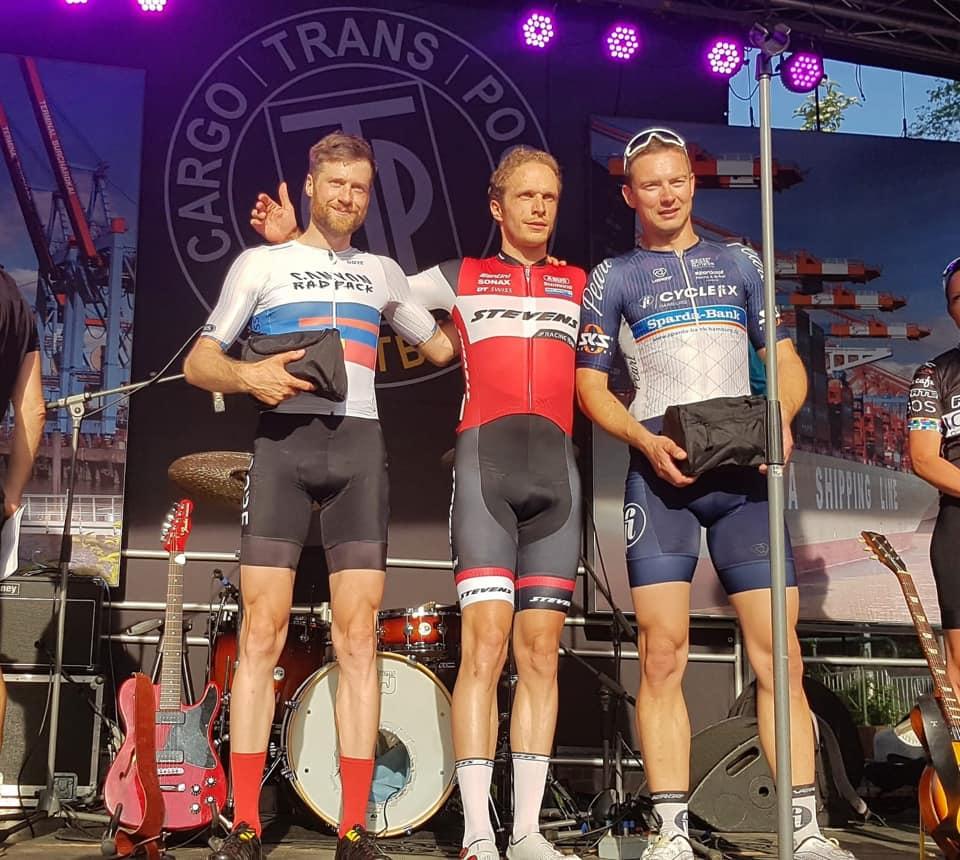 Cyclefix Team Hamburg belegt den dritten Platz in Rellingen.