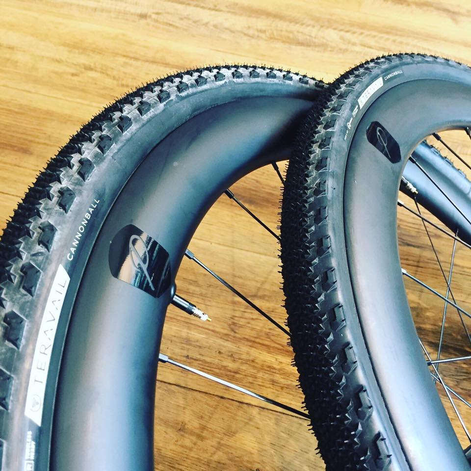 Pearl Carbon Gravel wheels with Teravail Tyres..