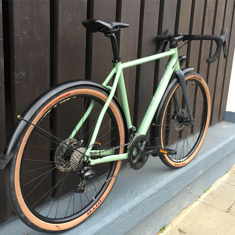 Pearl Gravel Commuter Al in custom light green!