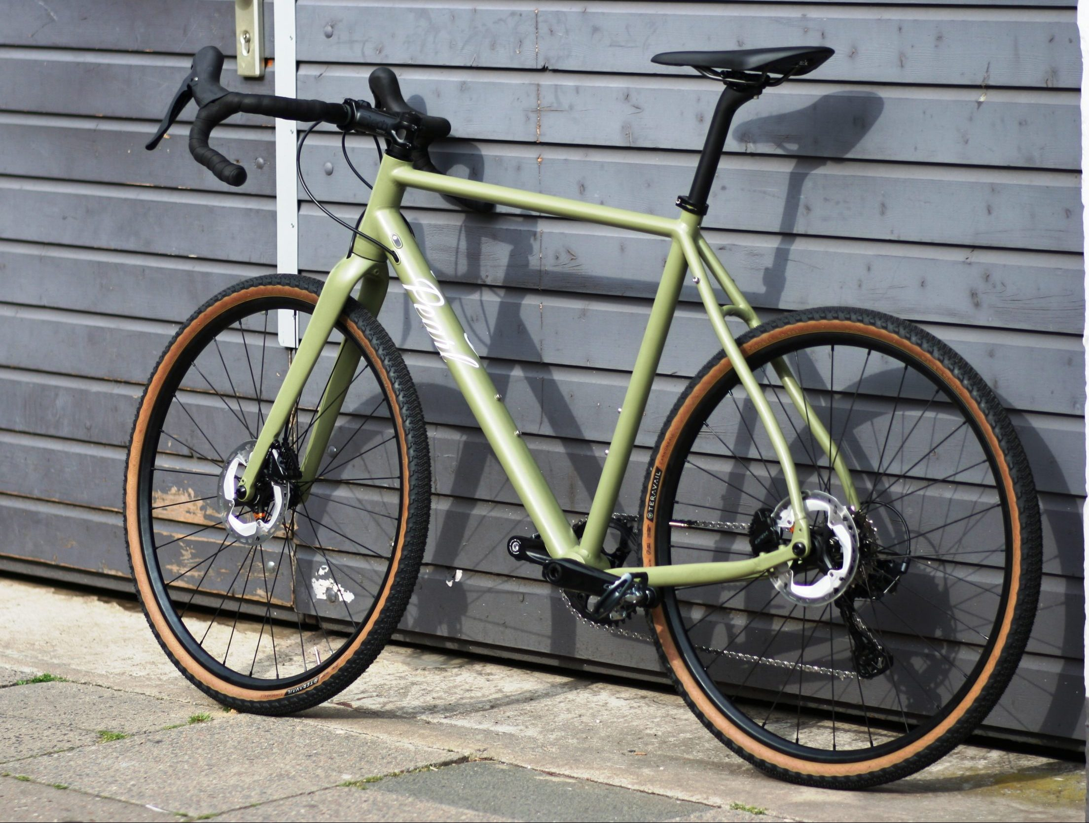 This is what our alloy frames can do. 8,5 kg with Pearl DT Swiss wheels